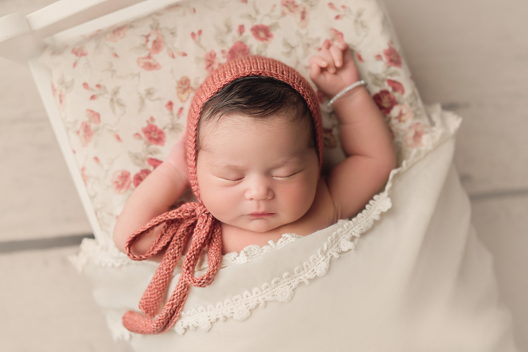 problem for newborn photographers. Then, without hesitation, you can make plans with photographers on a convenient schedule.